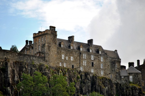 Stirling Castle Scotland 01 600x401 7 Most Renowned Scottish Castles