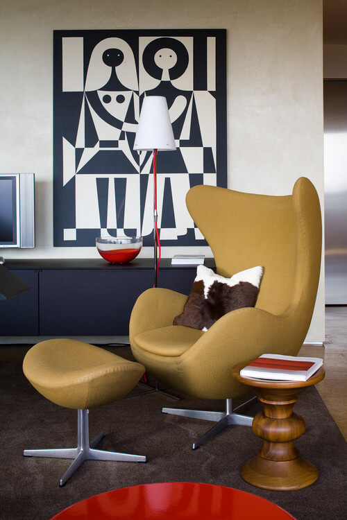 The Egg Chair by Arne Jacobsen and Fritz Hansen 04 10 Modern Interiors Featuring The Iconic Egg Chair