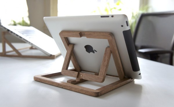 Adjustable wooden stand for Ipad 012 600x368 iPad Stand Design by OOOMS