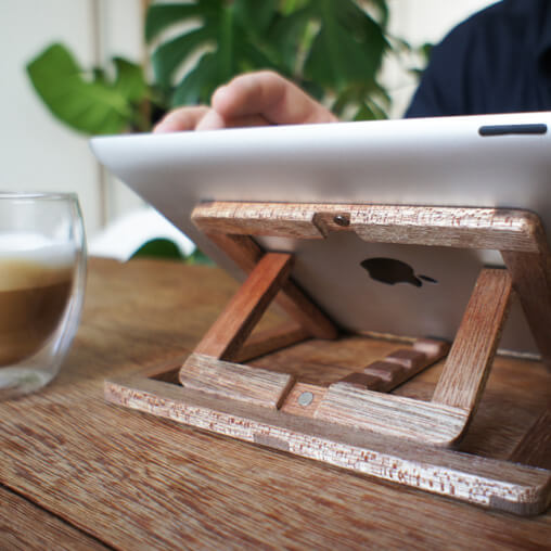 Adjustable wooden stand for Ipad 02 iPad Stand Design by OOOMS