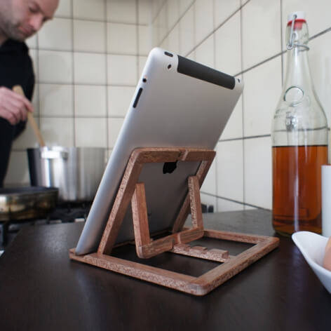 Adjustable wooden stand for Ipad 05 iPad Stand Design by OOOMS
