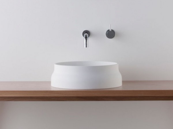 Latis bathroom products 04 600x449 Omvivos Luxurious and Sculptural New Bathroom Collection