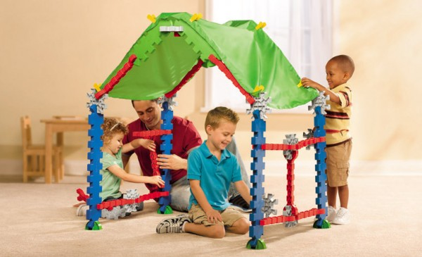 Tikestix toys for children by Josh Finkle 02 600x365 Innovative Construction Play Set Connects Parent and Childs