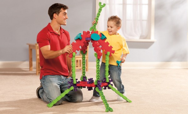 Tikestix toys for children by Josh Finkle 04 600x365 Innovative Construction Play Set Connects Parent and Childs