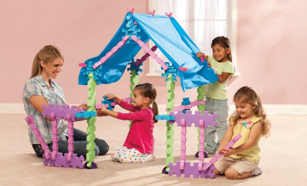 Tikestix toys for children by Josh Finkle 06 600x365 Innovative Construction Play Set Connects Parent and Childs