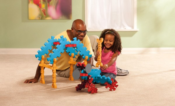 Tikestix toys for children by Josh Finkle 08 600x365 Innovative Construction Play Set Connects Parent and Childs
