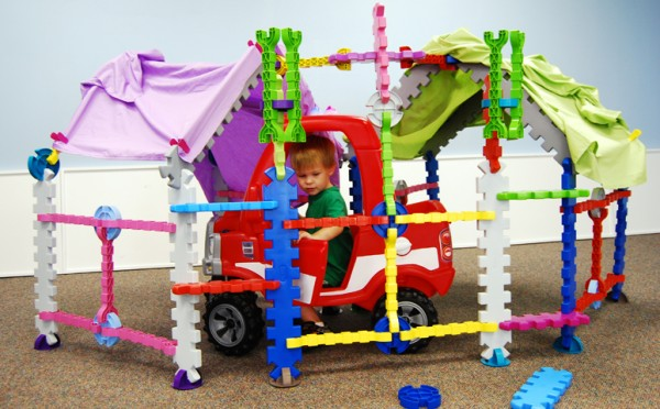 Tikestix toys for children by Josh Finkle 10 600x372 Innovative Construction Play Set Connects Parent and Childs