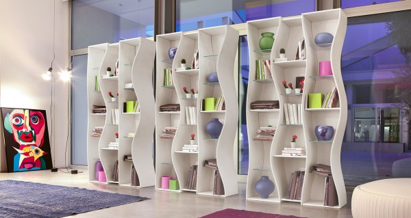 Dynamic Onda Bookcase System 01 600x319 Undulating Modular Bookcase System from Tonin CASA