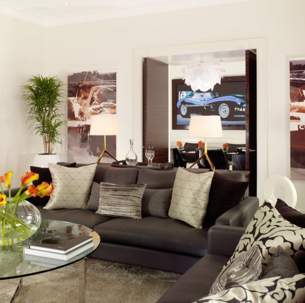 Luxurious Jaguar Suite in London 021 600x597 Power and Luxury: The Jaguar Suite at 51 Buckingham Gate, London