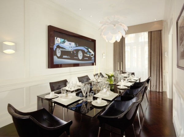 Luxurious Jaguar Suite in London 06 600x448 Power and Luxury: The Jaguar Suite at 51 Buckingham Gate, London