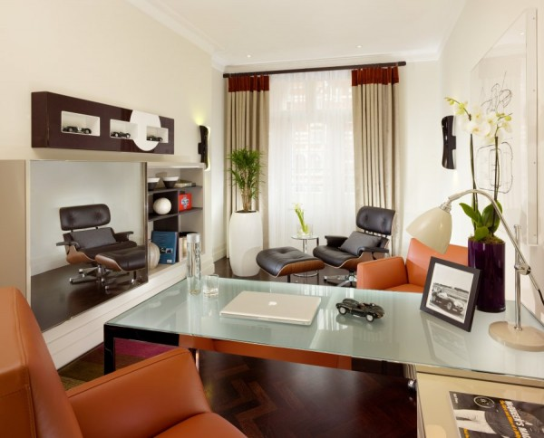 Luxurious Jaguar Suite in London 07 600x484 Power and Luxury: The Jaguar Suite at 51 Buckingham Gate, London