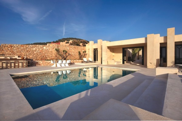 Luxury-Modern-Villa-in-Ibiza-05