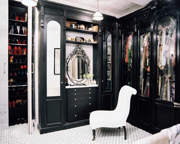 black wood walk in closets 600x480 30 Fabulous Walk In Closets to Inspire You