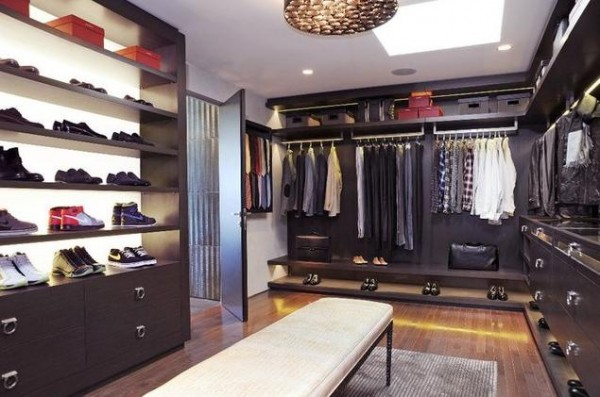 contemporary elegant wlak in closets 600x397 30 Fabulous Walk In Closets to Inspire You