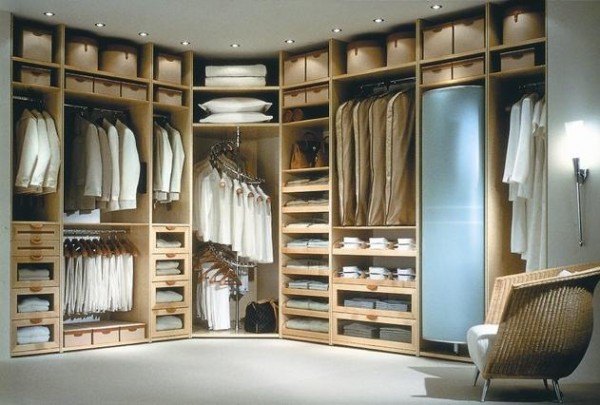 contemporary wood walk in closets 600x405 30 Fabulous Walk In Closets to Inspire You