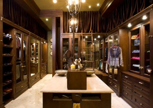 luxury walk in closets 600x422 30 Fabulous Walk In Closets to Inspire You