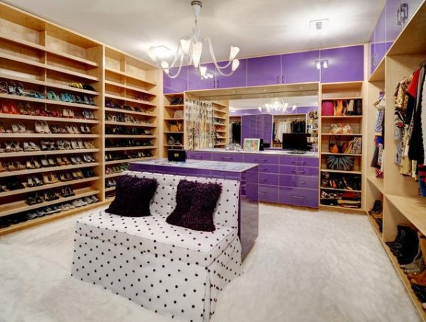 modern purple accents walk in closets 600x454 30 Fabulous Walk In Closets to Inspire You