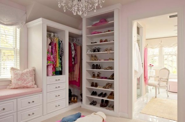 shabby chic walk in closets 600x395 30 Fabulous Walk In Closets to Inspire You