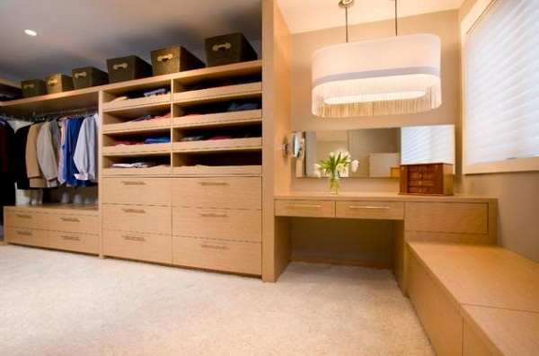 stylish walk in closets 600x396 30 Fabulous Walk In Closets to Inspire You