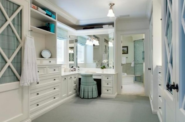 traditional beautiful white walk in closets 600x397 30 Fabulous Walk In Closets to Inspire You