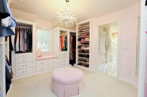 white master walk in closets 600x397 30 Fabulous Walk In Closets to Inspire You