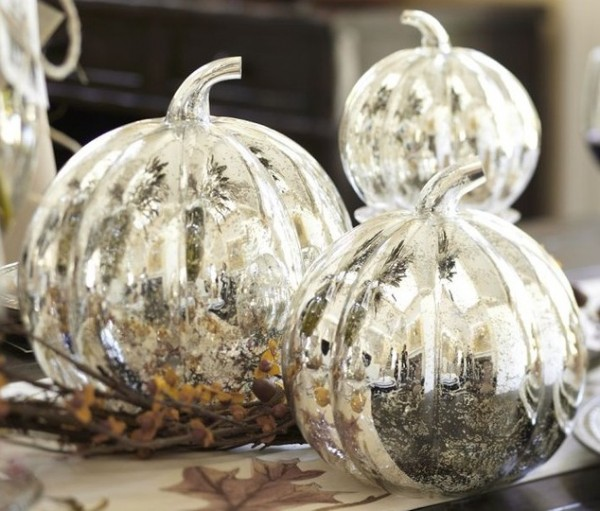 Halloween party decorations 07 600x511 Spooky Halloween Party Ideas