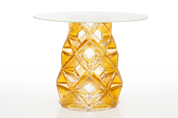 Homune table with amazing design Michael Young 02 600x399 Special Edition Table with Multifaceted Sophisticated Base