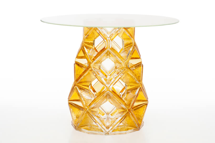 Homune-table-with-amazing-design-Michael- Young-02