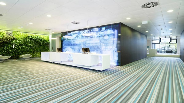 Microsoft Office Austria front office 02 600x337 Microsoft Headquarters in Vienna Boasts Ultra Modern Design