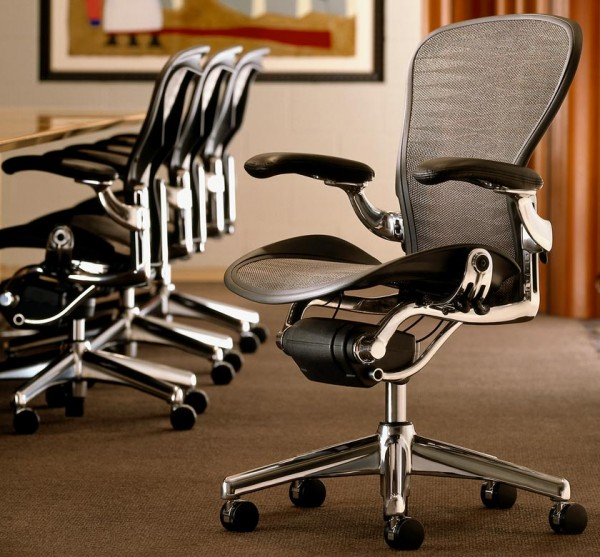 Office design chairs by Herman Miller 03 600x557 5 Innovative Designs for Office Chairs to Support You on Work Activities