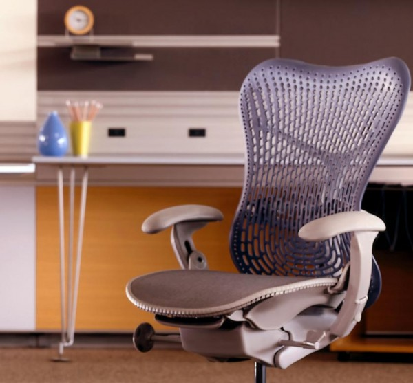 Office design chairs by Herman Miller 05 600x557 5 Innovative Designs for Office Chairs to Support You on Work Activities