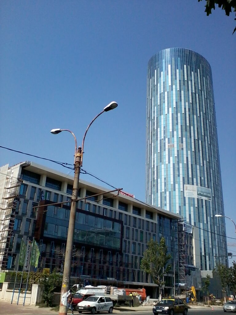 Tallest-building-in-Romania-SkyTower-03