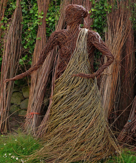 The Sirens Call Beautiful Architecture with Willow Sculptures