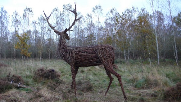 Willow Sculpture animal6 600x337 Beautiful Architecture with Willow Sculptures