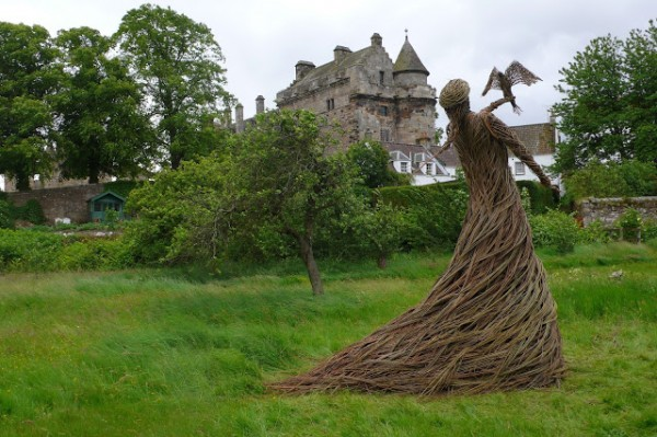 Willow Sculpture3 600x399 Beautiful Architecture with Willow Sculptures
