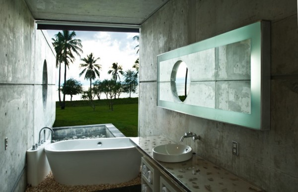Bathroom design Villa Sapi 600x388 Modern Meets Traditional in a Luxurious Villa in Indonesia