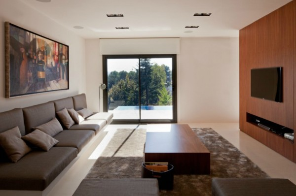 Living room design modern house 600x398 Single Familiy House Rehabilitation in Bellaterra, Barcelona