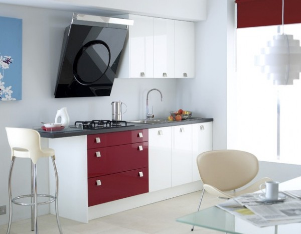 Red accent modern kitchen 600x466 7 Features to Create a Stylish Modern Kitchen