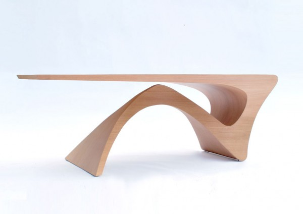 Sculptural table 600x424 Form Follows Function Table by Daan Mulder