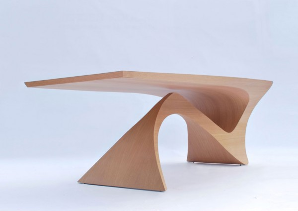 Sculptural table design 600x424 Form Follows Function Table by Daan Mulder