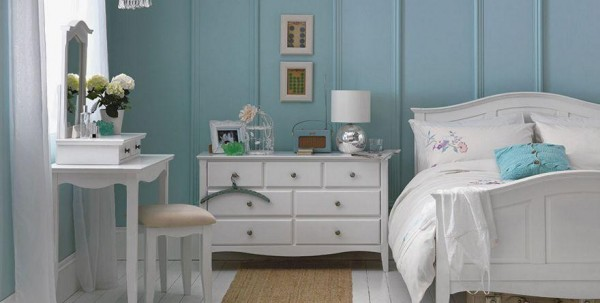 white bedroom 600x303 Soothing Bedroom Paint Ideas