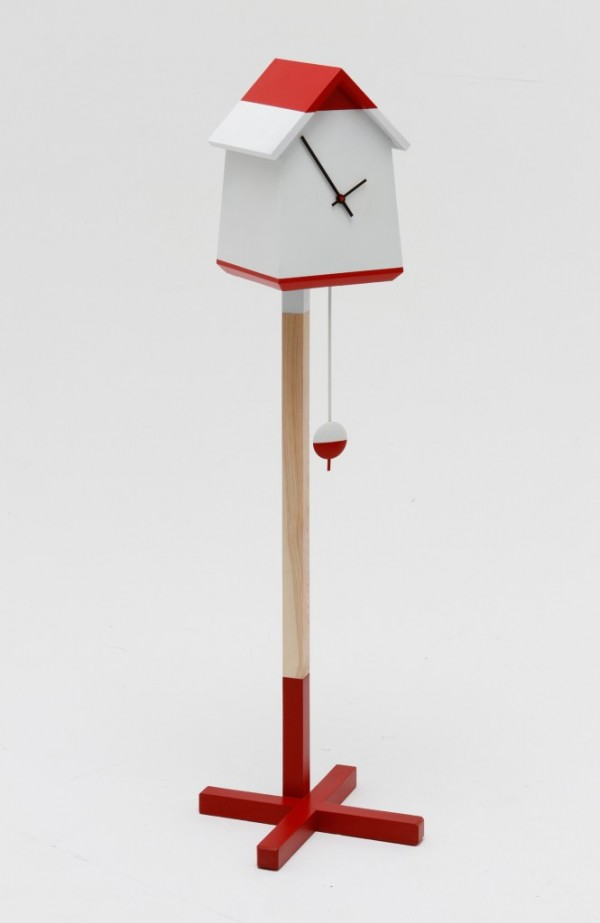 Red and white bird house clock 01 600x923 Whimsical Handmade Bird House Clock by Room 9