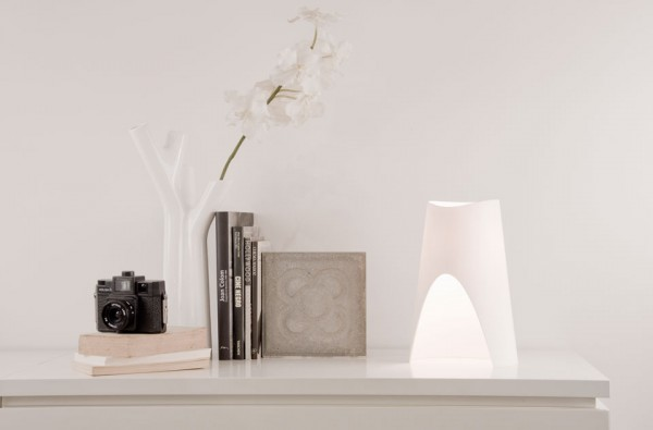 Table lamp by Oriol Llahona 02 600x395 Lighting Designs for Minimalist Modern Interiors