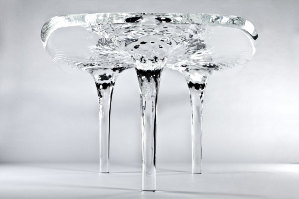 Transparent dynamic auqa table 600x400 Original Liquid Glacial Table by Zaha Hadid Architects