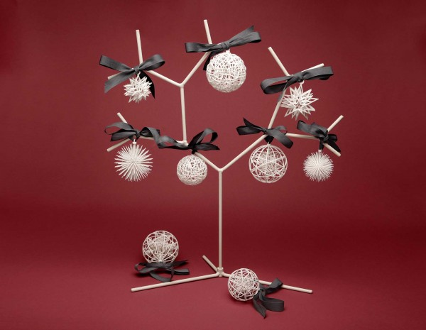 White Christmas balls by exnovo 600x465 Unique 3D Christmas Tree Decoration Ideas