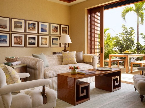 tropical living room with photo frames 600x447 Photo Frames, a Great Way to Beautify Your Interiors