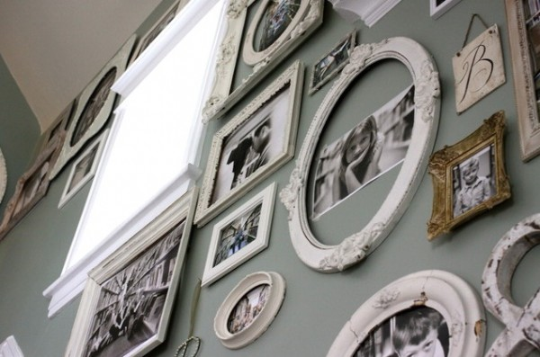 vintage photo frames 600x397 Photo Frames, a Great Way to Beautify Your Interiors