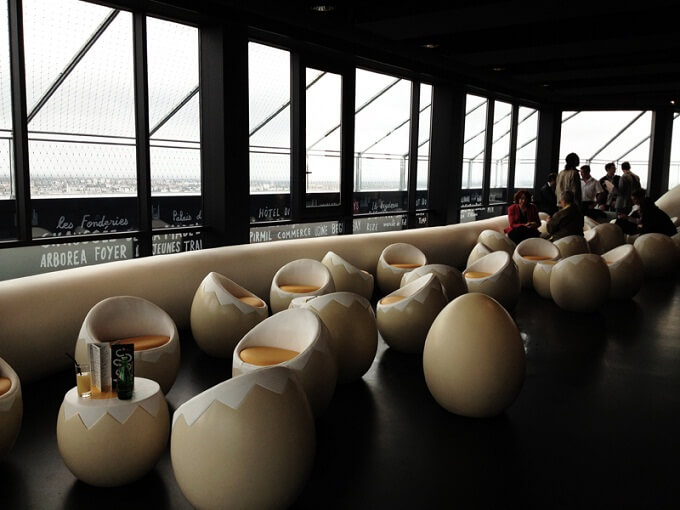 Bar seats in shape of an egg Unique and Surprising Bar Design in Nantes