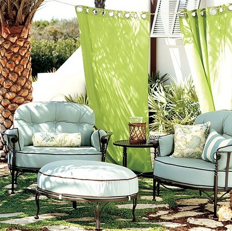 Corsica-lounge-chair-with-cozy-cushions