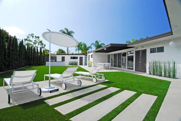 Enhance the aspect of your outdoor space artful garden for Rectangular garden design